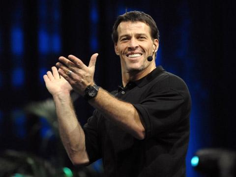 Tony Robbins là ai? Câu chuyện thật đằng sau ánh hào quang